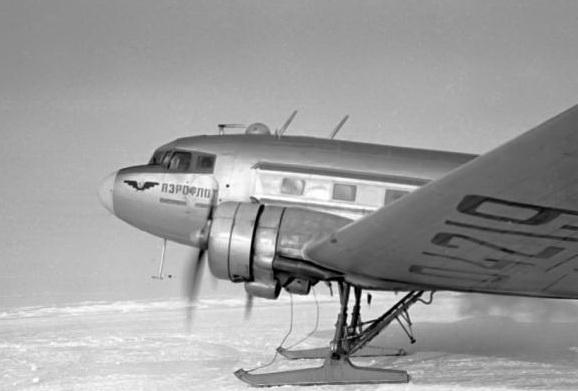 Ли-2 на лыжном шасси