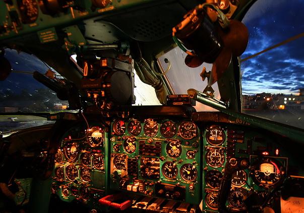 В кабине Ту-134А