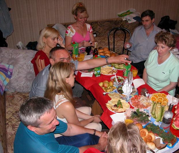 Экипаж отмечает День Рождения стюардессы, 2005г.