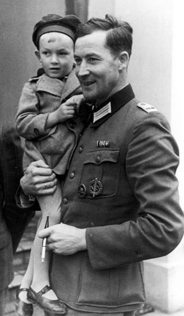 Copy of Hosenfeld with a Polish infant on his arm, September 1940