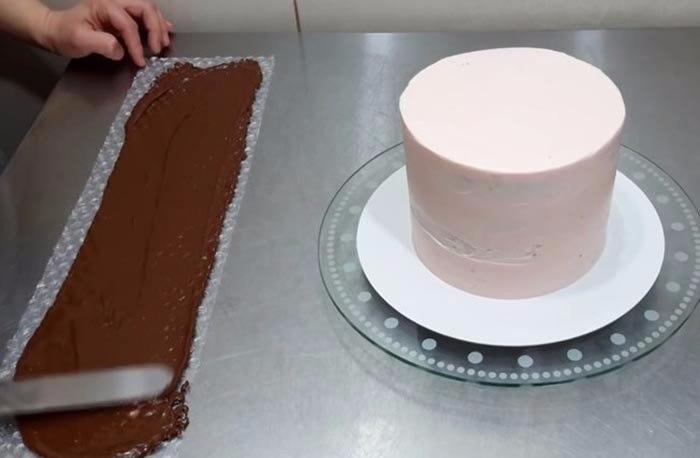 Потрясающий декор для торта из любимой всеми пузырчатой плёнки2