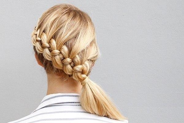 Плетем косу на бок