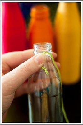 Яркие вазочки из бутылок3