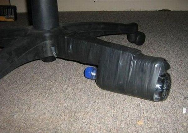 Замечательная идея ремонта, когда стул сломался, а денег на новый нет