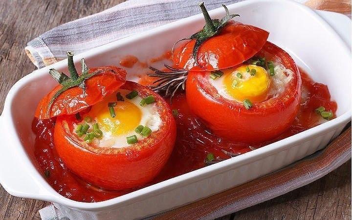 Как можно оригинально приготовить яйца на завтрак