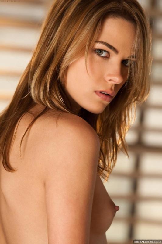 Model Meggan Malone Naked Girl Metarthunter 1