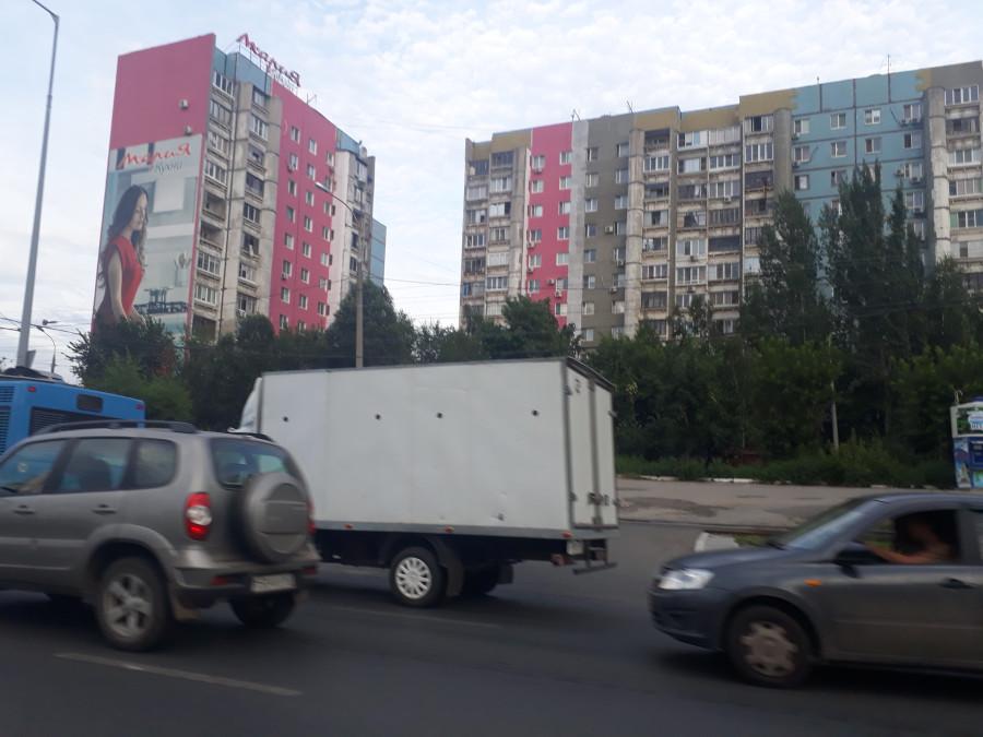 """Фасадов радуга в Самаре. Серость и """"безнадега"""" самарских улиц проходит как плохой сон"""