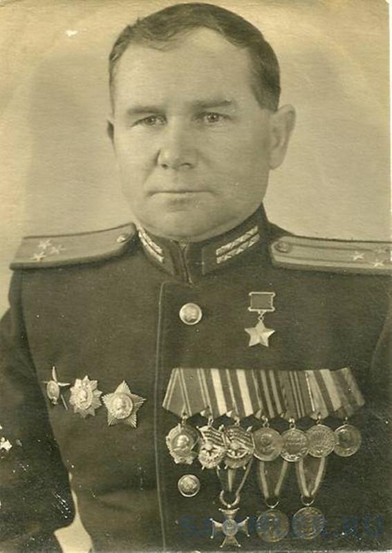 Полковник Фёдор Матвеевич Зинченко. 1948 год.jpg