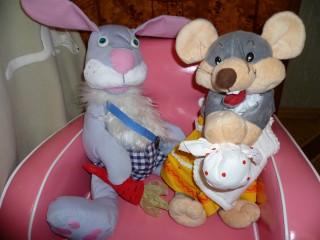 Зайка и мышка
