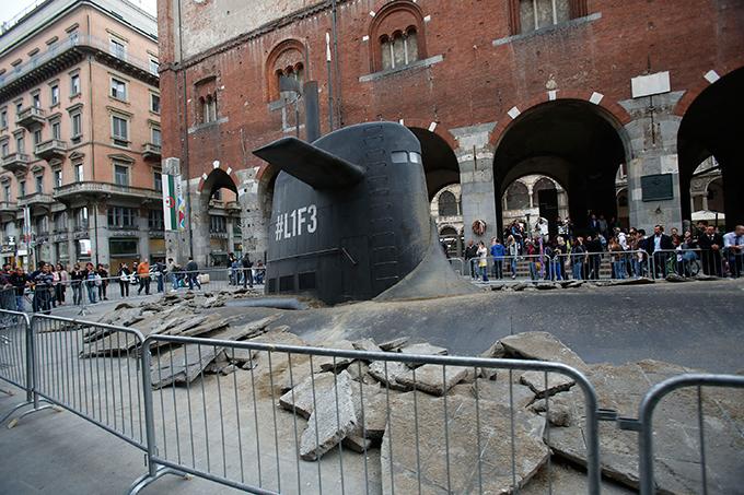 Русская подводная лодка в центре Милана