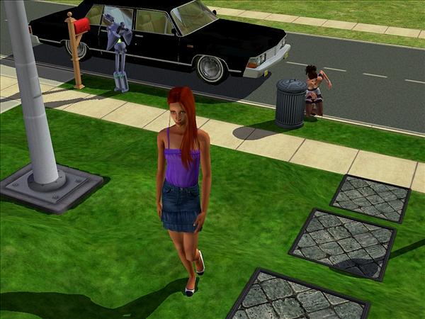 Brigit hiding, Nina walking