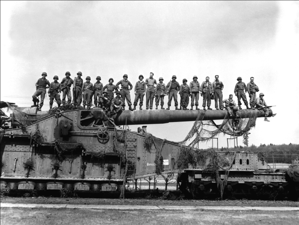 274mm45_railroad_gun_captured_Apr1945