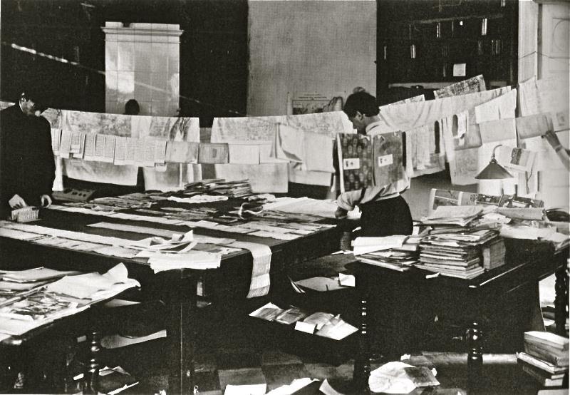просушка книг, рукописей и другого имущества в квартире академика С. Ф. Ольденбурга, сентябрь, 1924 г.
