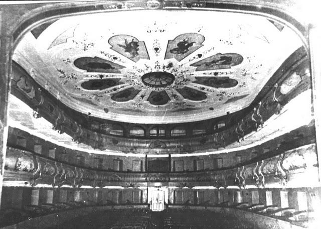 23 зрительный зал театра чехова  аптекарская роща 1900 (1)