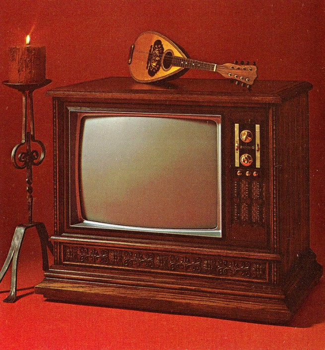 1971-Color-TV-Advertisements-102-655x707