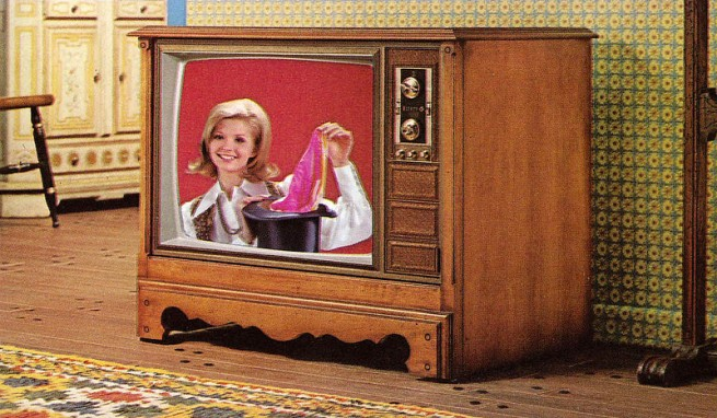 1971-Color-TV-Advertisements-152-655x382