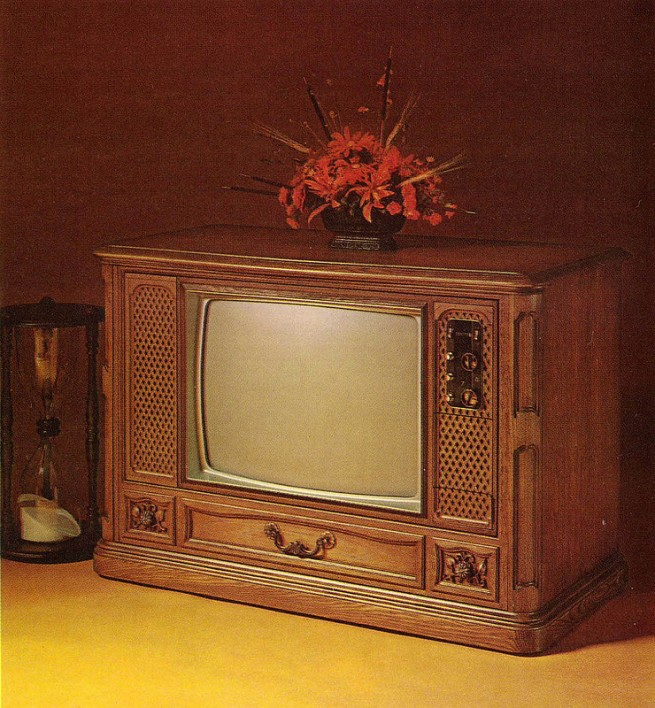 1971-Color-TV-Advertisements-162-655x708