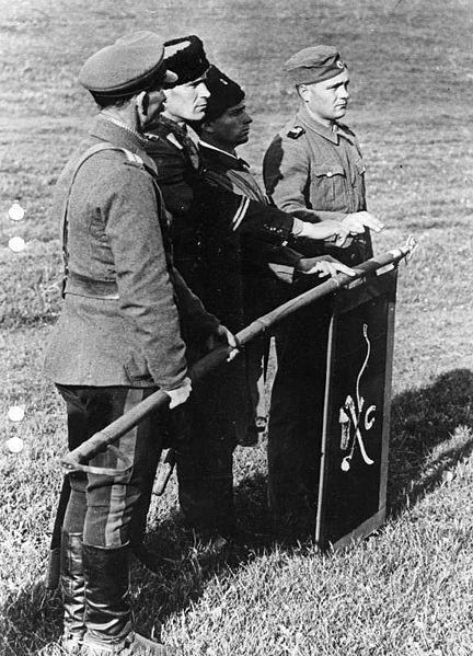 432px-Bundesarchiv_Bild_146-2008-0335%2C_Russland%2C_Kosaken_in_der_Wehrmacht