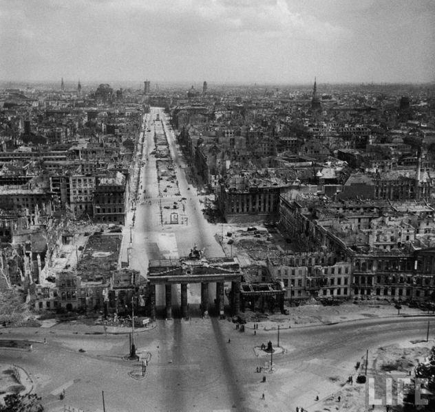 1273569758_postwar_berlin-17