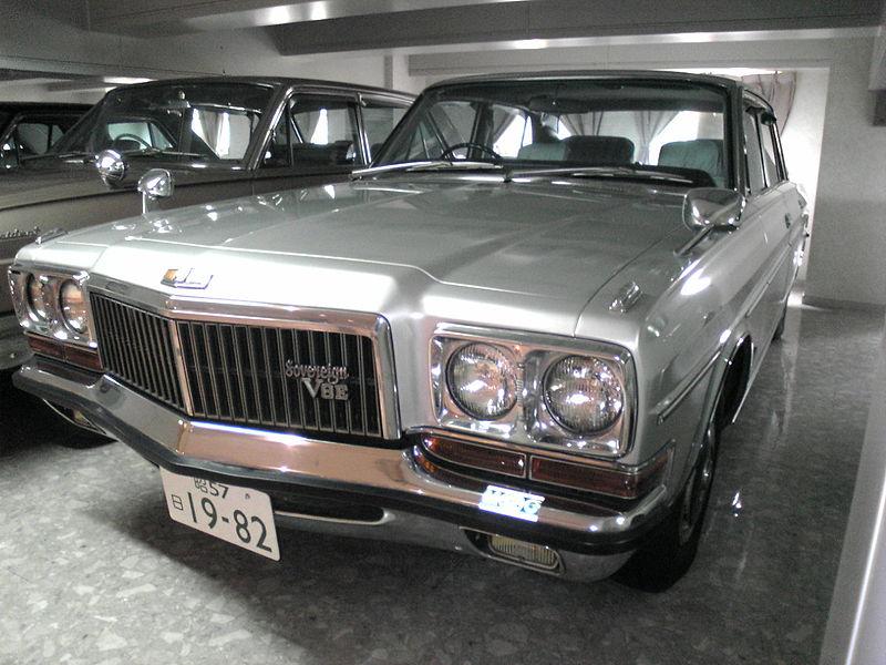 800px-Nissan_President_(1982)