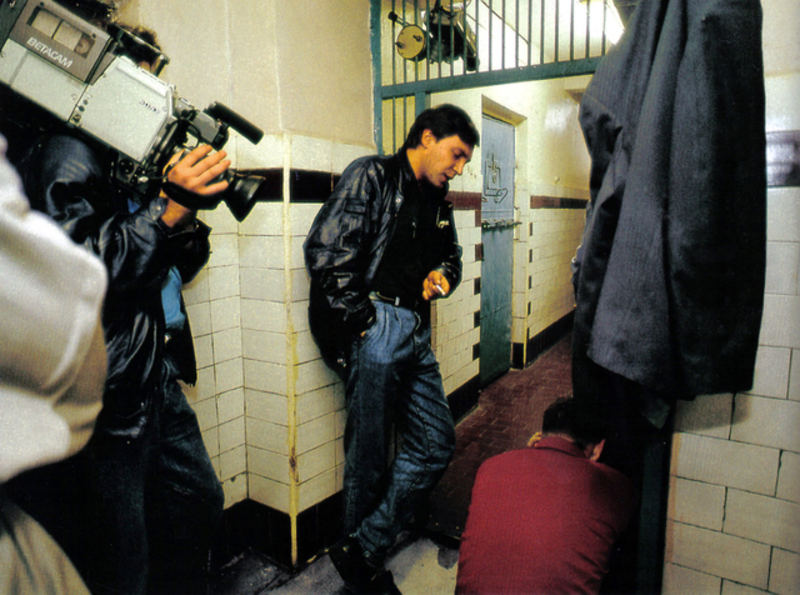 nevzorovНевзоров берет интервью у обвиняемого в изнасиловании