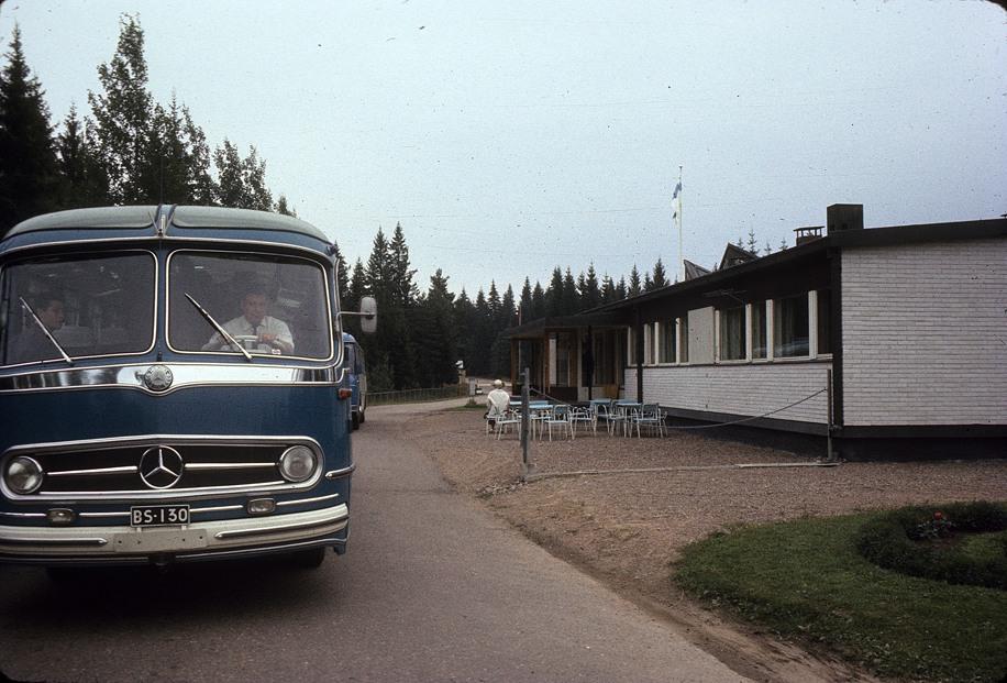 IMG_023этот замечательный автобус отвезет нас из Финляндии в Ленинград