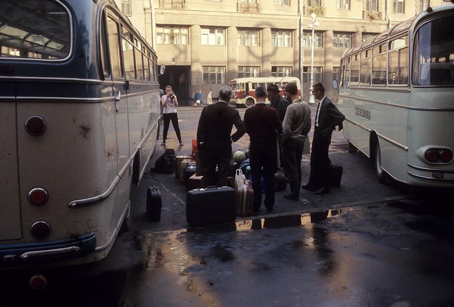 IMG_016перед гостиницей Октябрьская