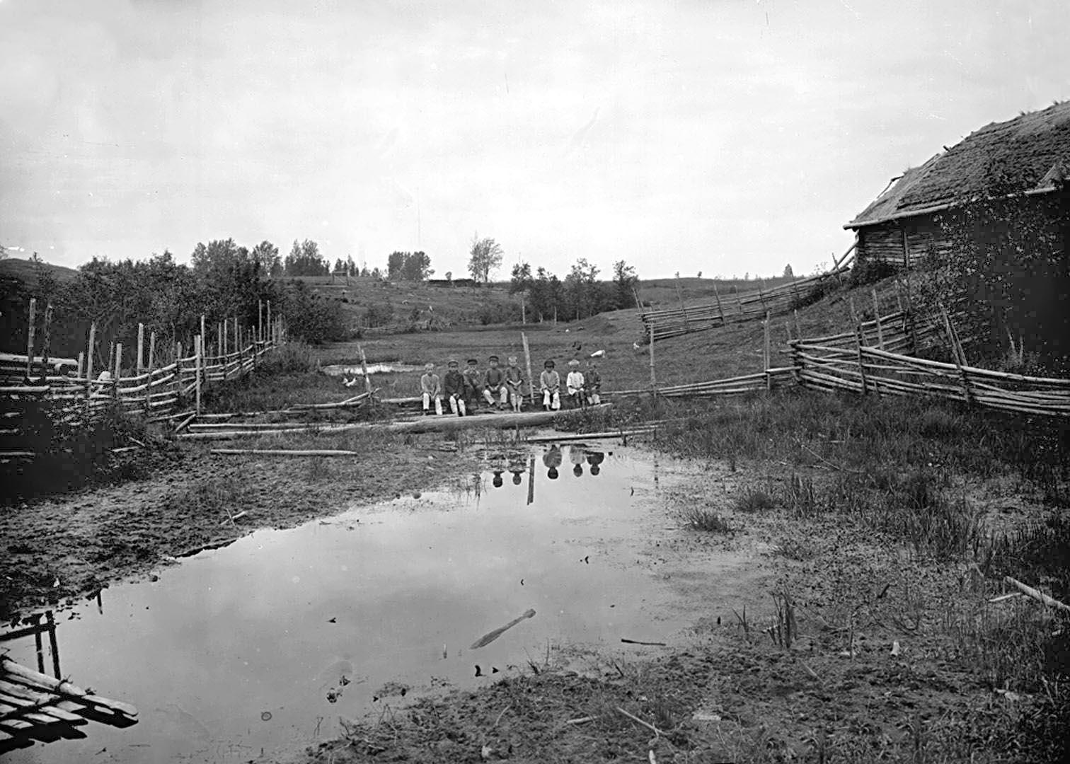 9Вид реки Волги со стороны д. Волгино. к. XIX в. Тверская губерния, д. Волгино.