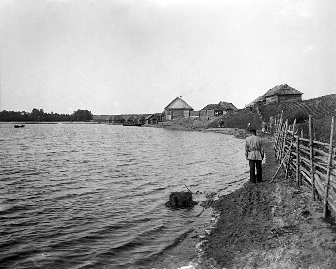 47Вид озера Селигер у д. Свапуще. 1903 г. Тверская губерния, д. Свапуще.