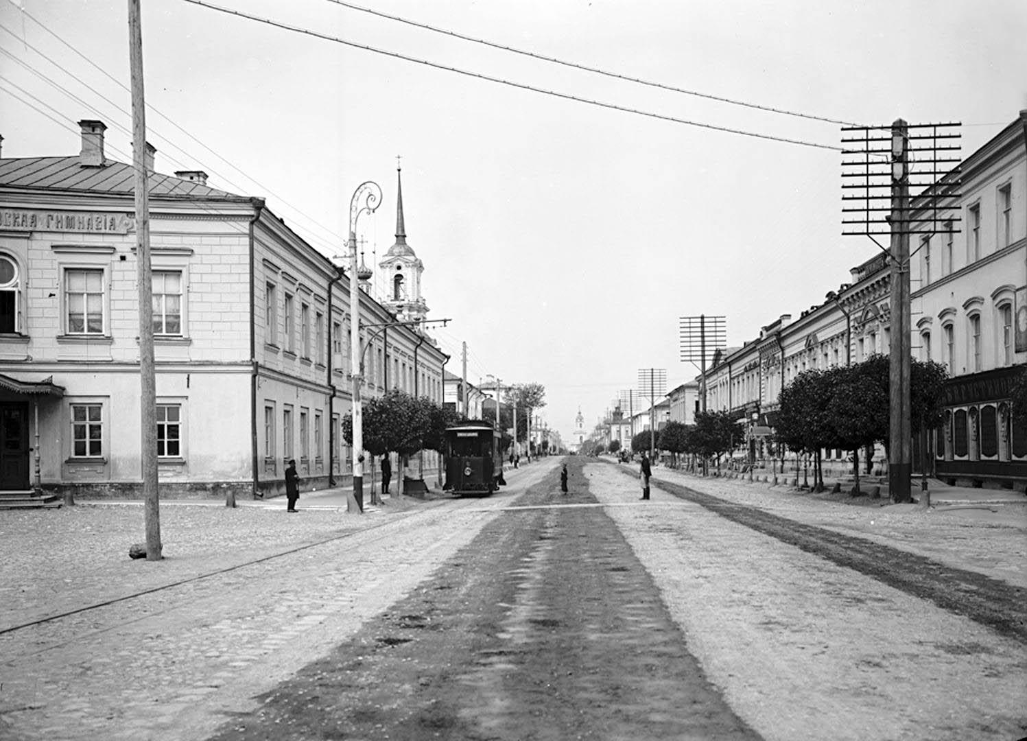 102Общий вид Миллионной улицы. 1903 г. г. Тверь