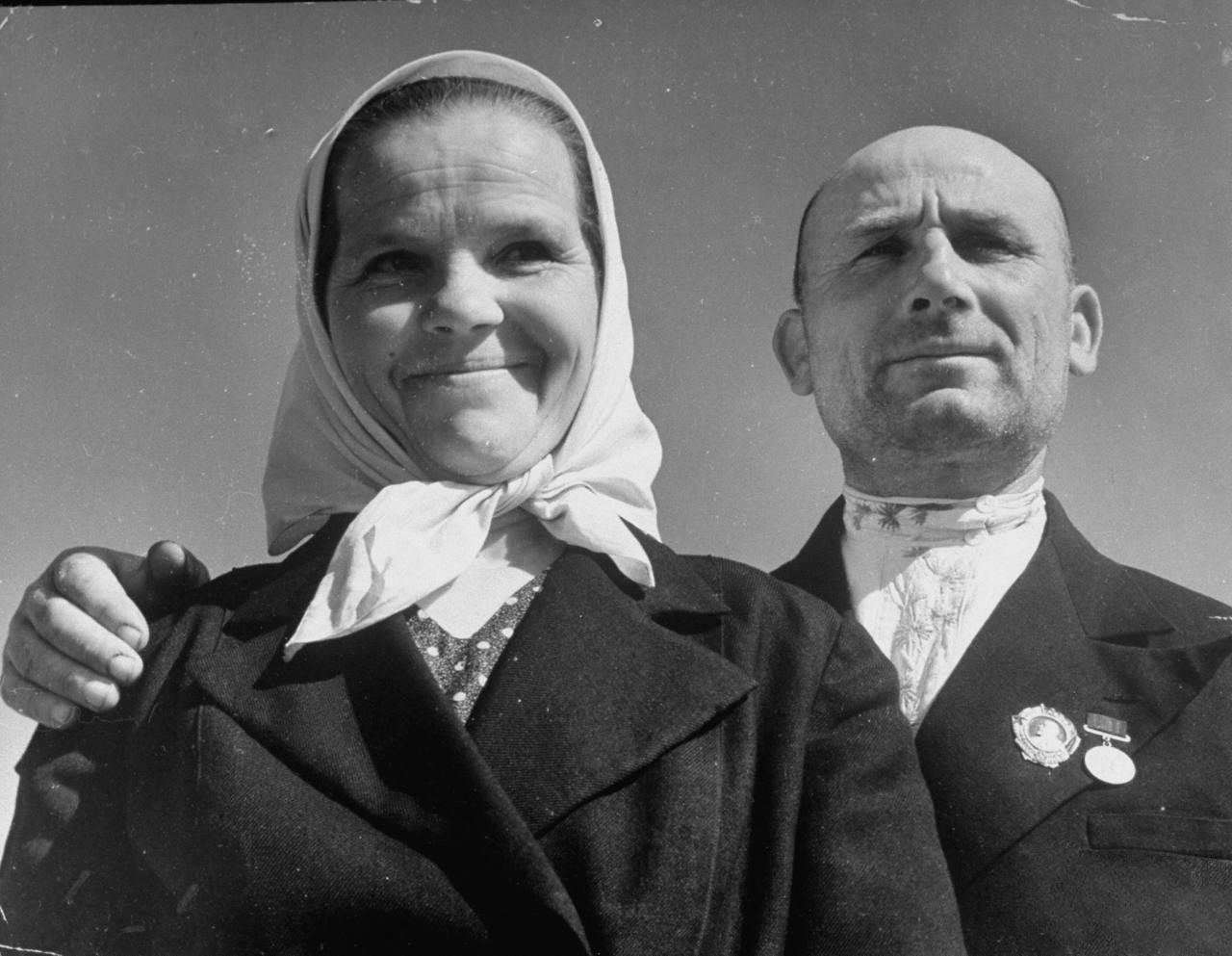 70Председатель колхоза с женой.
