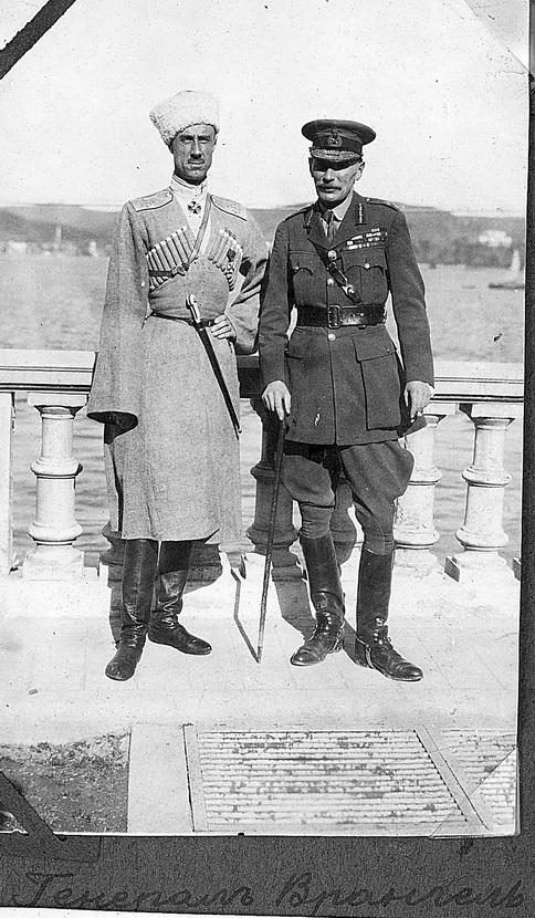 14Генерал Врангель и британский генерал Харингтон. Константинополь, 1921 г.