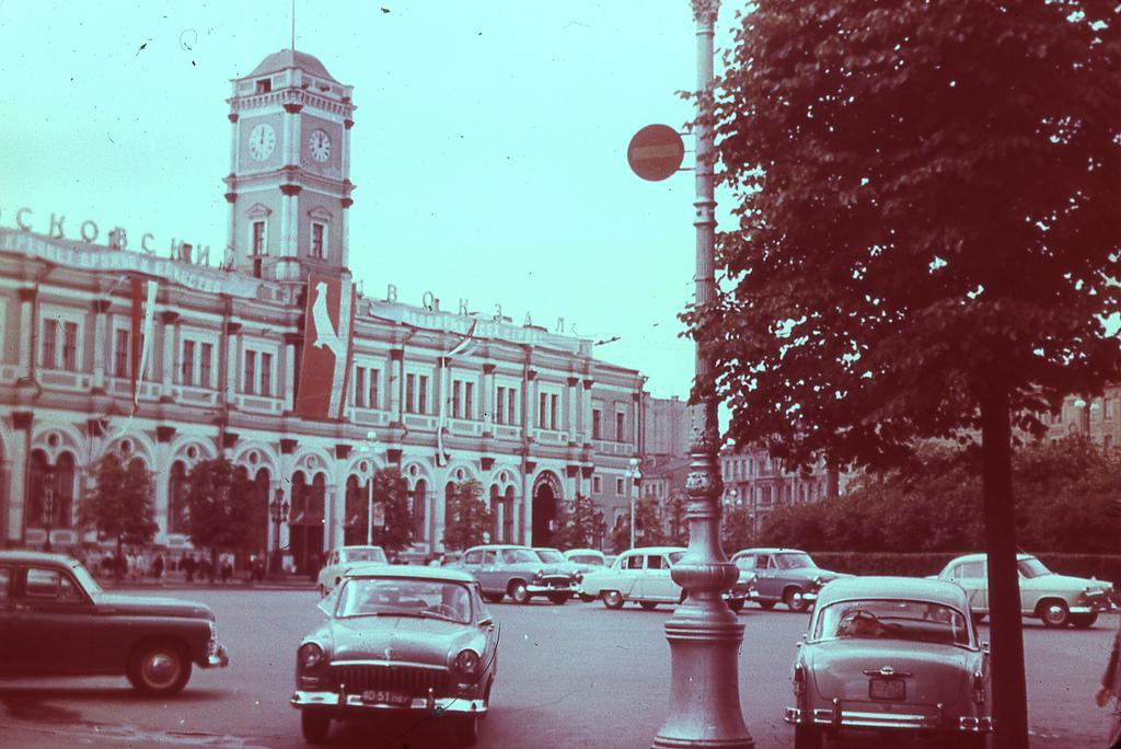 5817657234_b3366b547d_bЛенинград - Московский вокзалл