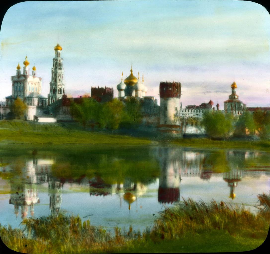 4Новодевичий монастырь