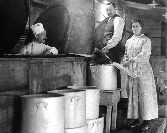 Кухня ресторана в Роттердаме, Нидерланды, 1917.