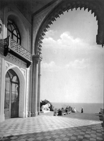 275Алупка. Вид из Альгамбры
