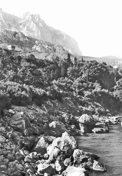 288Алупка. Вид на Ай-Петри со скалы Айвазовского