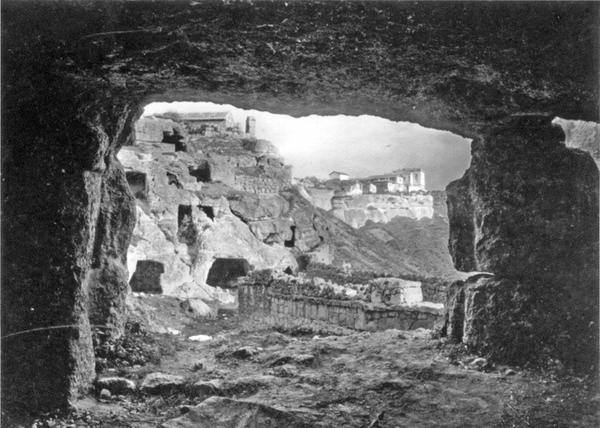 307Мертвый город Чуфут-Кале, близ Бахчисарая