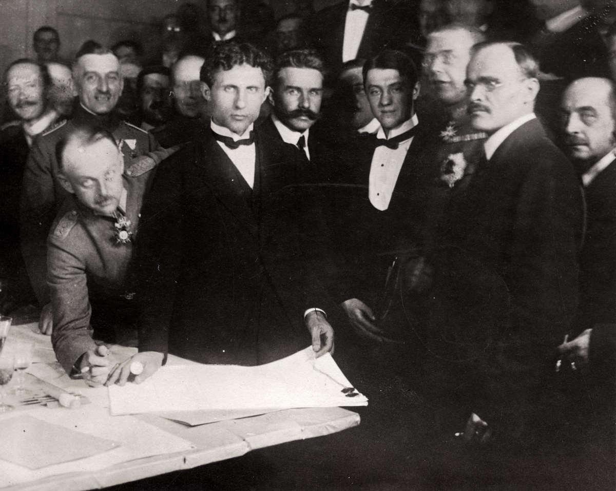 19Подписание мирного договора между УНР и Центральными державами 27 января (9 февраля) 1918 года