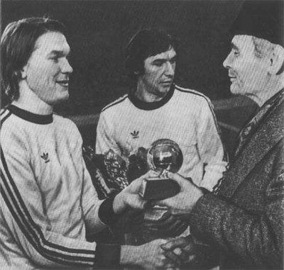 1975-год-Золотой-мяч-получает-Олег-Блохин