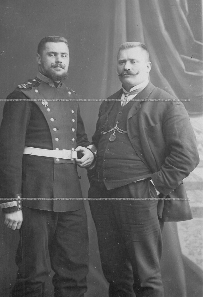 0_a69f5_4ffc097_XXLРусский борец И.М.Поддубный (справа) со своим братом