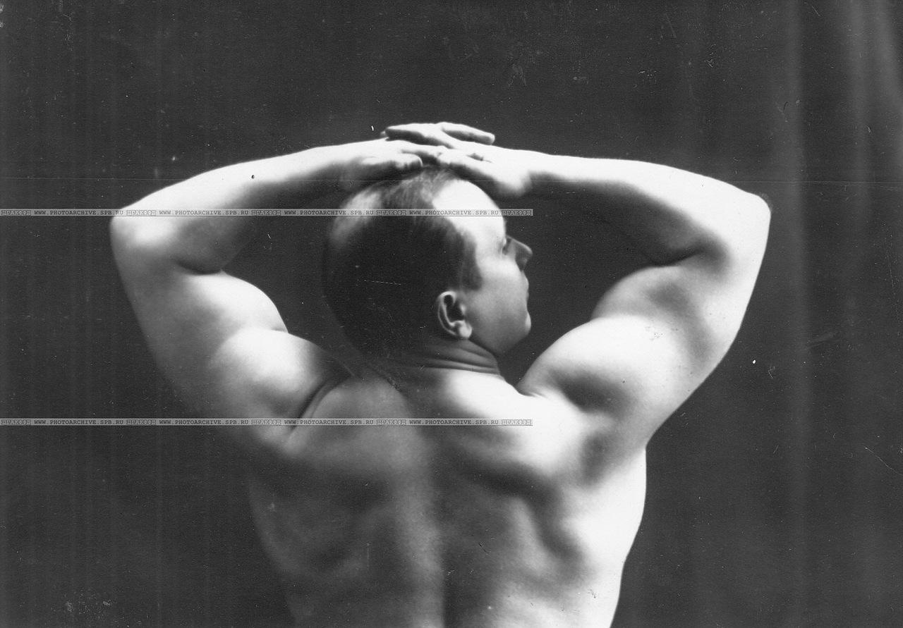 0_a69e9_8d91d2a_XXXLУчастник Всемирного чемпионата по классической борьбе, штангист, преподаватель бокса В.П.Крестьянсон