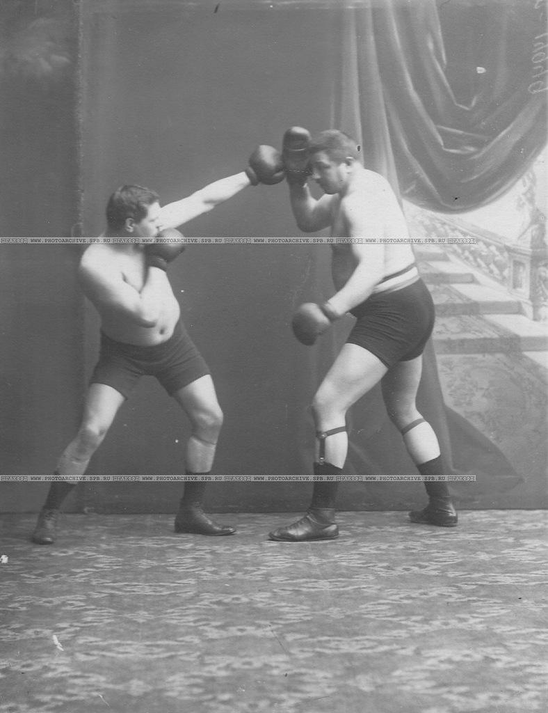 0_a69ec_ecdaf092_XXLБоксеры Мольдт и Джаксон (Генри Плакс) (справа)