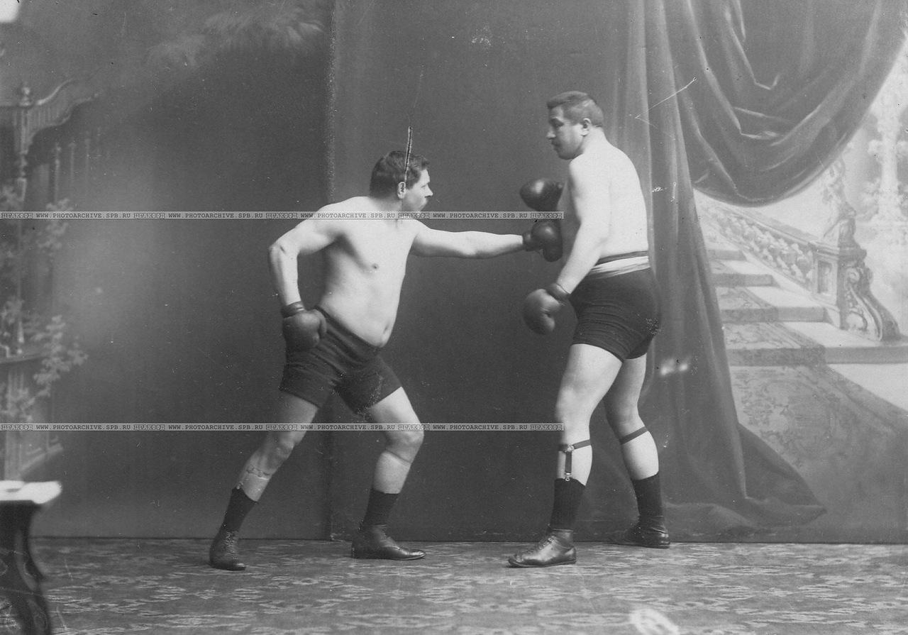 0_a69f0_48736aa0_XXXLБоксеры Мольдт и Т.Жаксон (справа) момент боя (английский бокс)