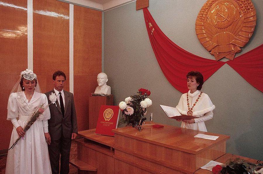 UAof80s61Черновцы. Свадьба в ЗАГСе. 1988 год.