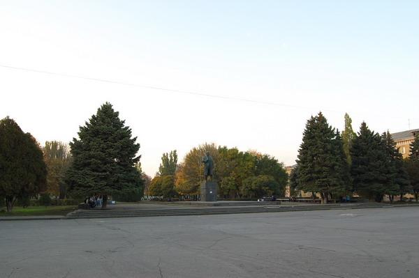 pamyatnik-leninu_185780