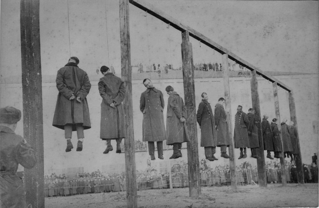 KGrHqQOKosFHm0sQkBRqnsred60_57Публичная казнь немецких военных преступников в Киеве.