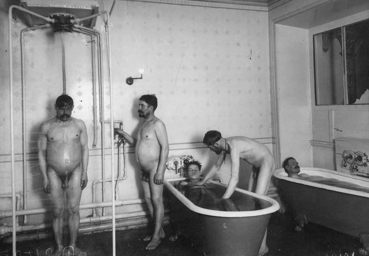 0_ac663_901e4762_XXXLМытье в ванной и под душем.