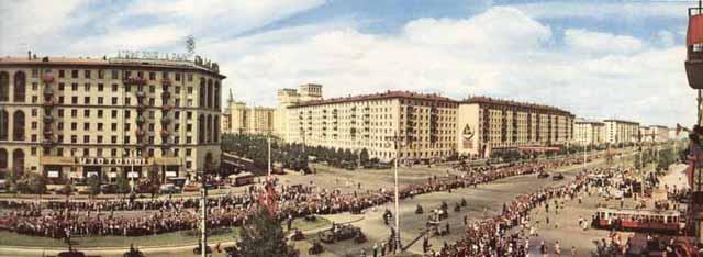 moscow60panoramaЛенинский проспект. Встреча героев Космоса.
