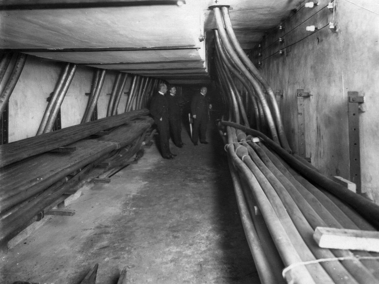 0_adb41_e9c7ca0e_XXXLВывод подземных кабелей.